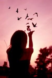 paleidau jį, paleidau mintis ir prisiminimus, šešėlį jo paleidau, kurį taip ilgai kalinau savo širdyje